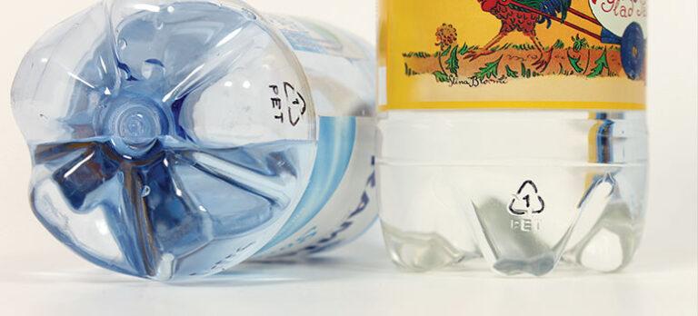 Gift i plast: Gift i vattenflaskor och i matförpackningar – det är barnbarnens, barnens och din hälsa vi talar om