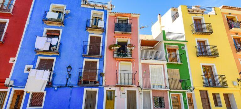 Spaniens kärlek till fönsterluckor