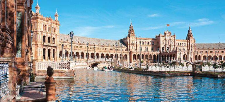 Palats, palats, palats… en utflykt till Osuna och Sevilla