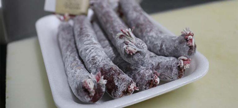 Salchichón de Málaga: På besök i Pizarra för att upptäcka denna Málaga-delikatess