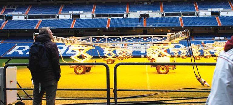 Kungaklubbens pampar återskapar historien på Bernabéu
