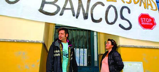 Förtvivlade spanjorer ockuperar tomma hus… och nu kan de stanna – i alla fall i Andalusien