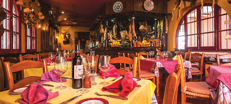 restaurant-mesonCalahonda