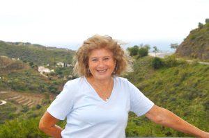 Möt Beatrice Sommerfeld – som under några månader bytt dermatoskopet mot hammare