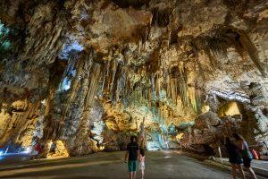 Uppe med tuppen? – Besök grottorna i Nerja gratis