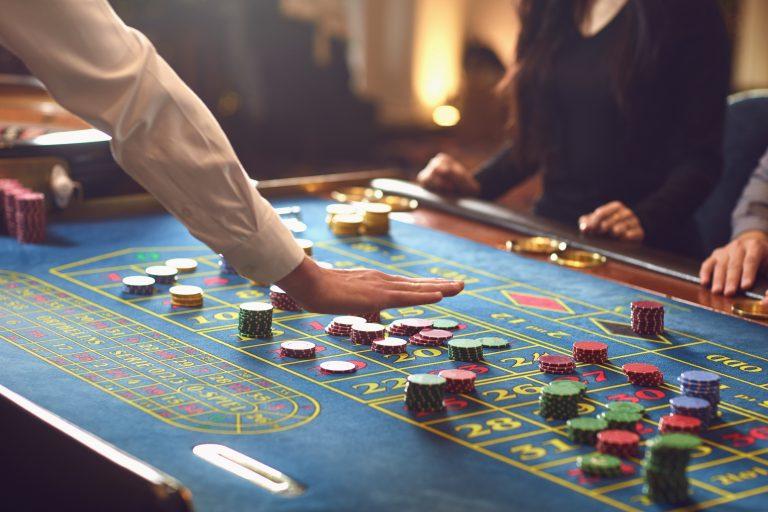 Spela på casino i Sverige eller Spanien – vad är skillnaden?