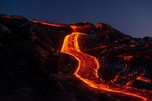 6 000 personer evakuerade på grund av vulkanutbrott