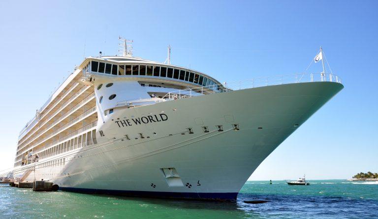 Världens enda boendekryssningsfartyg tillbaka i Málaga