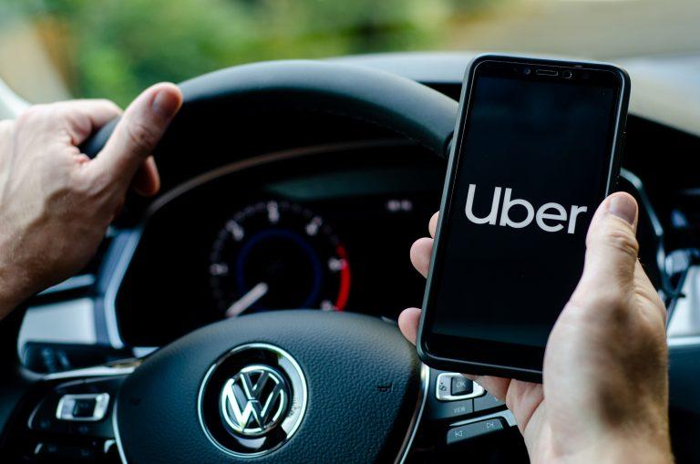 Uber och Cabify stormar framåt